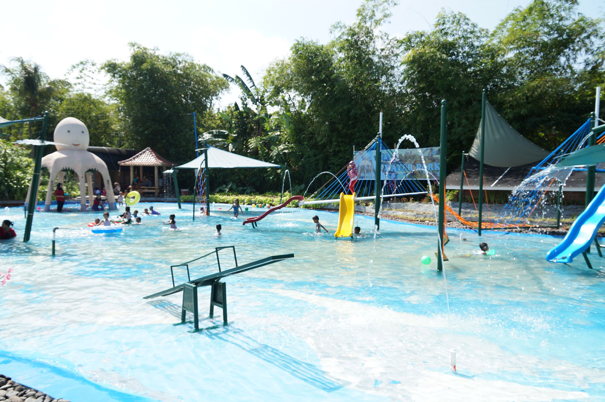 Waterpark Studio Alam TV9 Mataram Lombok