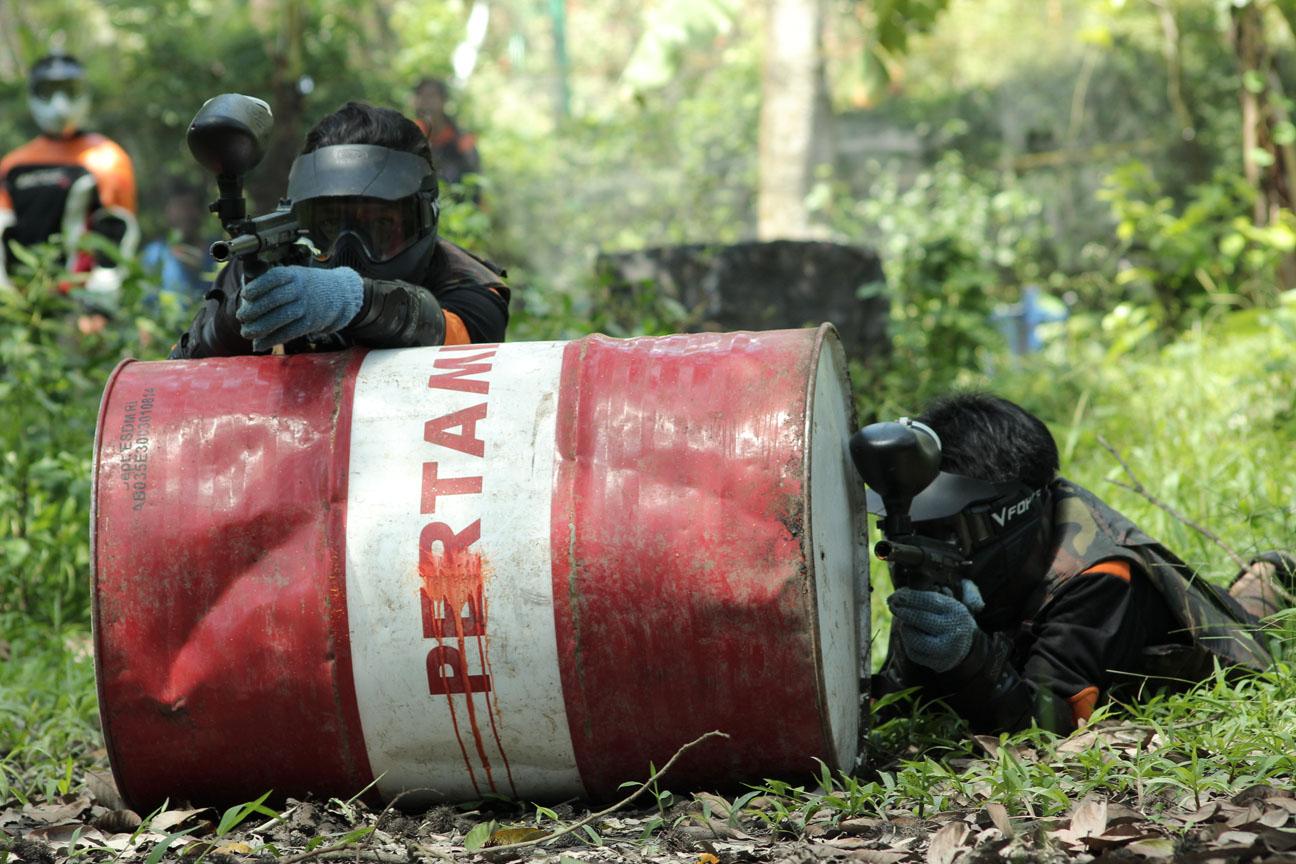Serunya Perang Paintball di Mataram Lombok